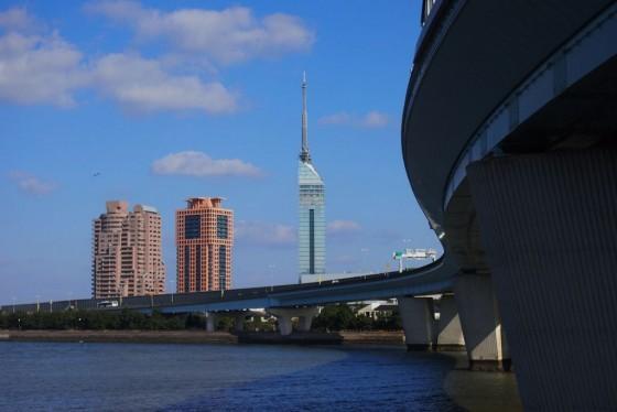 福岡タワー 愛宕浜より